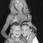 Kristi and children by photographer Tracy Cianflone
